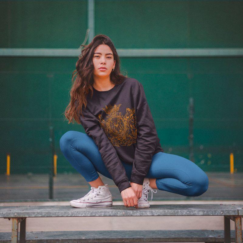 vintage women's graphic sweatshirts mono y mona